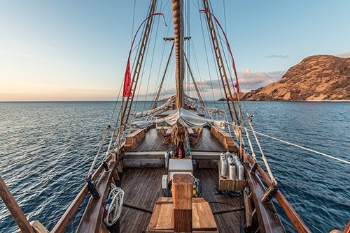 Traditional Schooner Komodo Deck